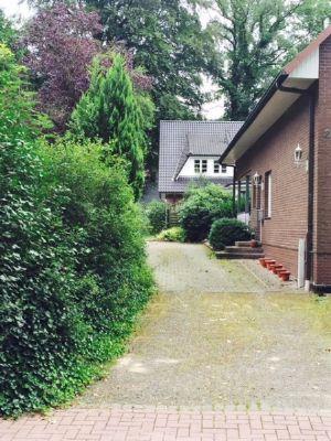 Zufahrt und Eingangsbereich