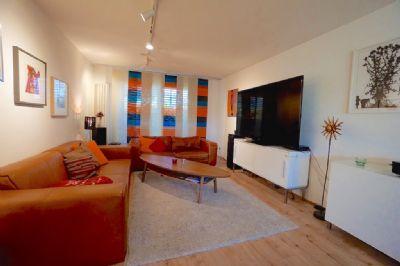 Wohnzimmer mit Ostterrasse