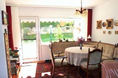 licht luft gr n und viel platz f r die fahrzeuge einfamilienhaus bad d rkheim 2n8x246. Black Bedroom Furniture Sets. Home Design Ideas