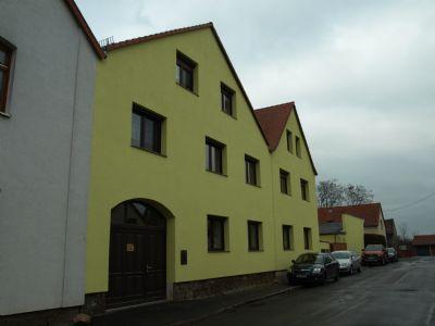 Beide Häuser mit Blick in die Straße