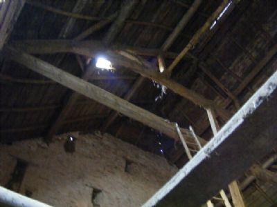 innen bis zum Dach offen