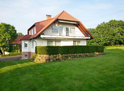 Ansicht vom Garten zur Terrasse