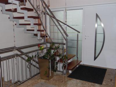 Hochwertiger, moderner Eingangsbereich