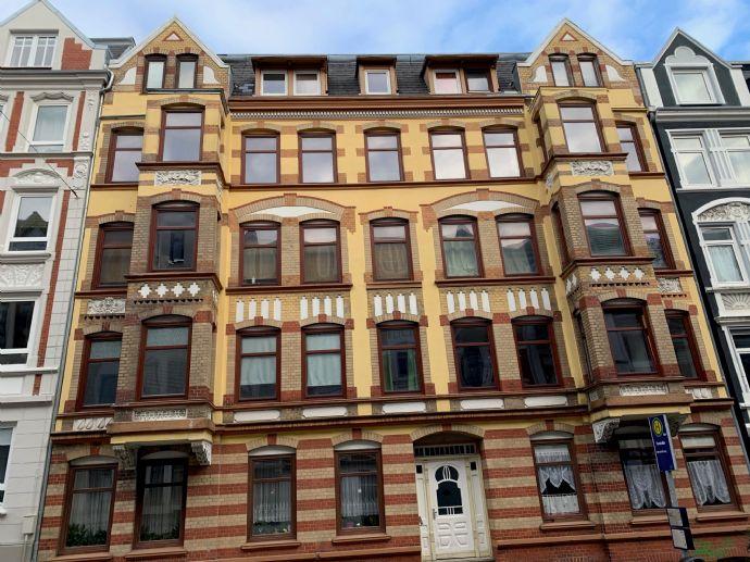 Renovierte 4-Zimmer-Altbau-Wohnung auf der Westlichen Höhe
