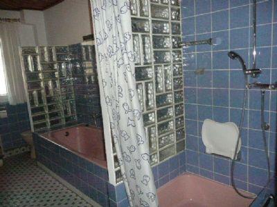 Dusche u. Wanne Einliegerwhg.
