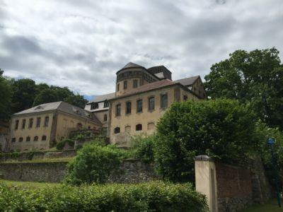 Blick zum alten Schloss nebenan