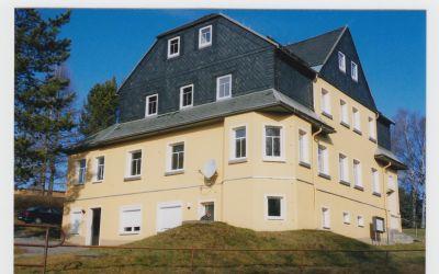 sch ne dreiraumwohnung im dachgeschoss in c mmerswalde zu vermieten wohnung neuhausen 2f23x43. Black Bedroom Furniture Sets. Home Design Ideas