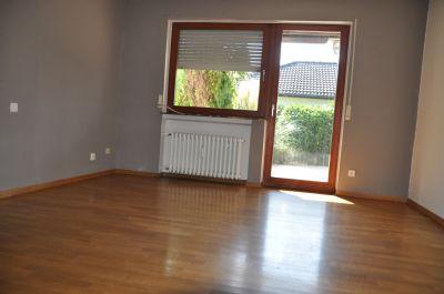 Elternschlafzimmer mit Zugang zur Terrasse