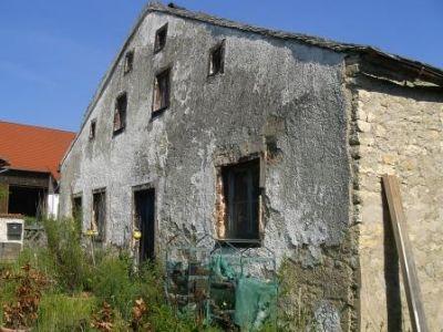 Eindrucksvolles Gebäude aus Kalksteinmauerwerk