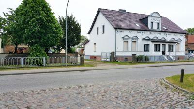 Straßenfront