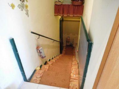 Zwischen Wohnzimmer und Küche Kellerabgang