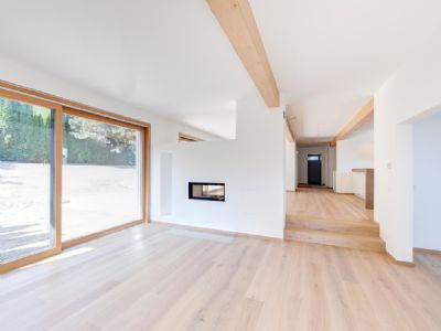 Wohnbereich mit 2,75 m hohen Decken