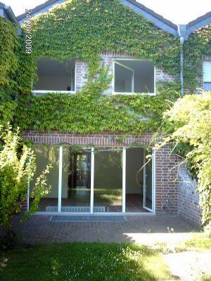 reihenmittelhaus in meerbusch osterath zu vermieten reihenmittelhaus meerbusch 2mexv47. Black Bedroom Furniture Sets. Home Design Ideas