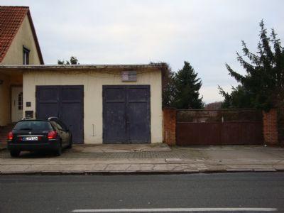 Garagen mit Zufahrt