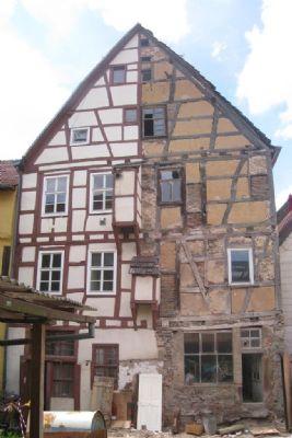 Rückseite des Fachwerk-Doppelhauses