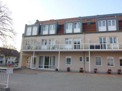 schwabm nchen 1 zimmer wohnung mit balkon und tiefgaragenplatz zentrale lage etagenwohnung. Black Bedroom Furniture Sets. Home Design Ideas
