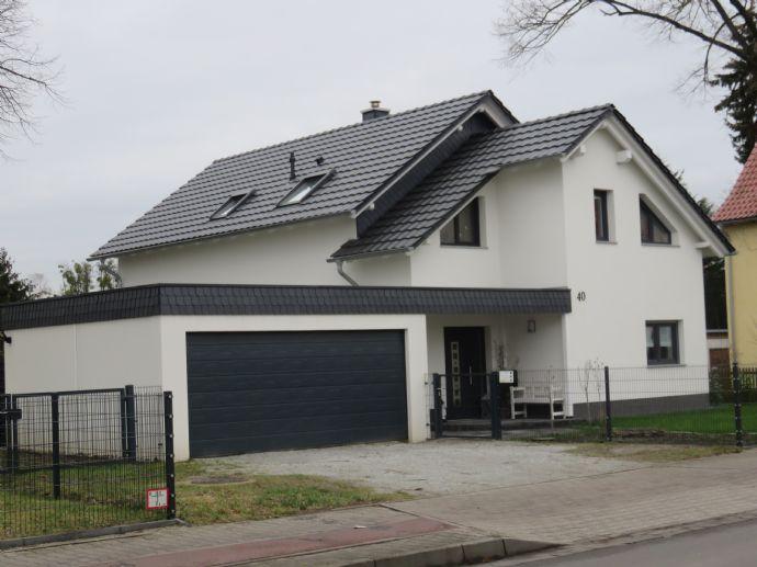 Schöner wohnen im eigenen Haus Einfamilienhaus Cottbus (2WCFL3S)
