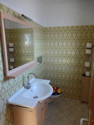 12 Gäste-WC
