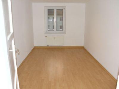 mieter f r schicke dreiraumwohnung gesucht etagenwohnung oelsnitz 2d3d64q. Black Bedroom Furniture Sets. Home Design Ideas