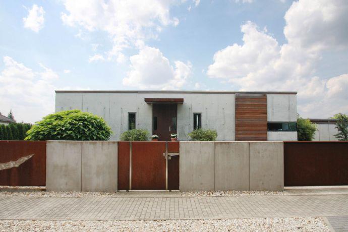 Exklusives Einfamilienhaus Im Bauhausstil Sichtbeton In Lingenau