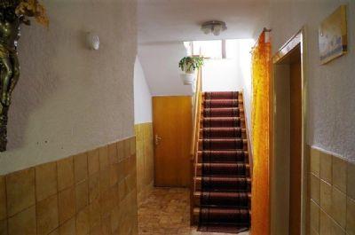 Treppe in die vier Räume des Obergeschosses