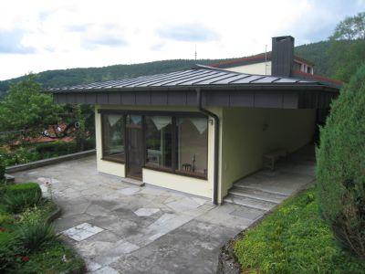 Terrasse m. Eingangsbereich