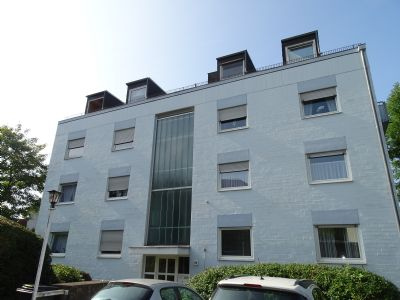 3 zimmer dachgeschoss wohnung f r kapitalanleger etagenwohnung wiesbaden 2fzjs4c. Black Bedroom Furniture Sets. Home Design Ideas