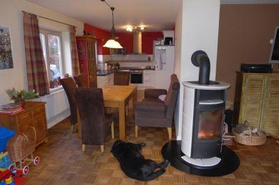 modernisierter einfamilienhaus mit gro em garten einfamilienhaus gr mitz 2hlzr4v. Black Bedroom Furniture Sets. Home Design Ideas
