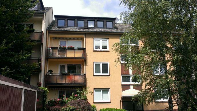 Gemütliche 2,5-Zimmer-Dachgeschosswohnung, 61qm, im gepflegten und ruhigen Haus inkl. Stellplatz