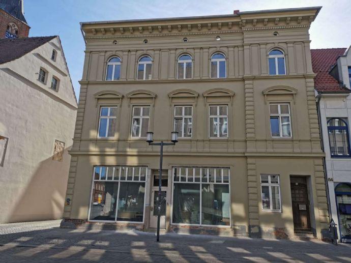 großzügige Wohnung mit Balkon - Innenstadt Stendal