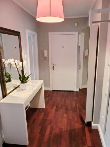 Zauberhaft möblierte 2,5 Zimmer Wohnung/ Süd-Balkon/ frei ab 01.07.2020