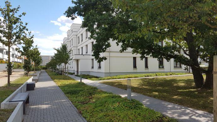 Adlershof, Neubau, sehr schöne und helle 2-Zimmer Wohnung mit Terrasse im DG