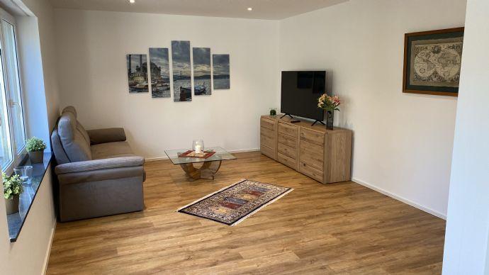 Provisionfrei: Vollmöblierte 3-Zimmer-Wohnung mit Einbauküche und Gartennutzung, Erstbezug nach Sanierung.