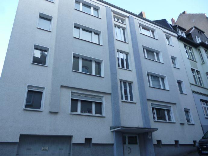 *schöne 2-R-Wohnung möchte vermietet werden*