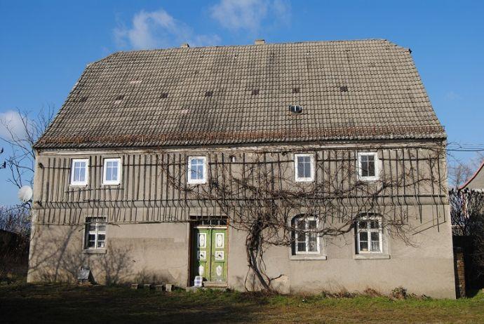 Großer 3 - Seitenhof mit 5600m² Grundstück und 2 Wohnhäusern in Peterwitz