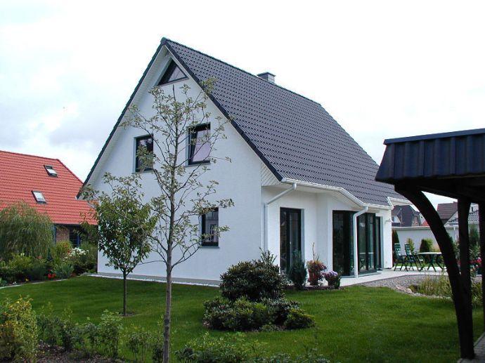 Modernes Einfamilienhaus in grüner Lage