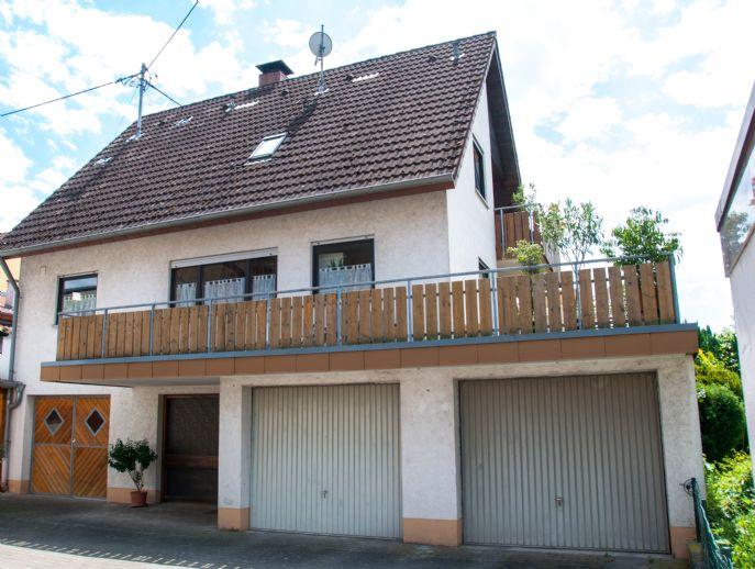 Perfekt für die Familie: Einfamilienhaus mit viel Privatsphäre, großen Terrassen & grüner Aussicht in Schallstadt Mengen