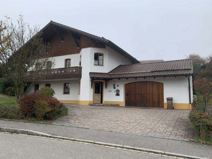 Hochwertig ausgestattetes Einfamilienhaus mit Wintergarten und Einliegerwohnung