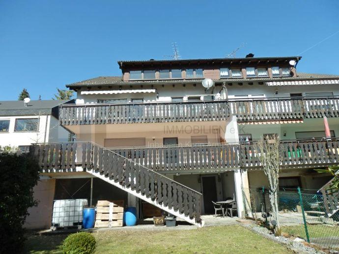 Dreigenerationenhaus oder tolle Kapitalanlage! Doppelhaushälfte mit 3 Wohnungen und Garage in Albstadt-Onstmettingen