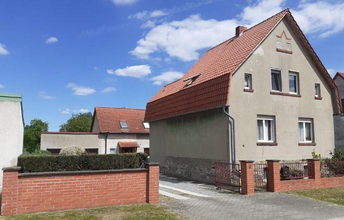 Einfamilienhaus mit FeWo im Nebengebäude - Breitenrode, ruhige Anliegerstraße