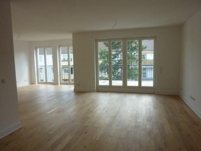 D-Oberkassel: - exkl. 4,5 Zi.Whg. ca. 148 m², 4.OG./Lift,  2 Bäder, Parkett, Sonnenbalk., TG - EBK