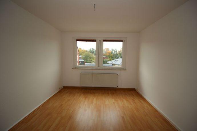 NEU RENOVIERT!!! 2-Zimmerwohnung in ruhiger Wohnlage zu vermieten