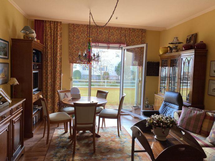 gepflegte Hochparterre- Wohnung mit Balkon in Zehlendorf