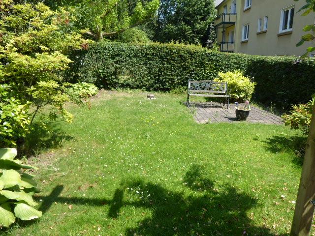 Renovierungsbedürftiges Ein-Zweifamilienhaus ohne Garage/Stellplatz in zentraler Lage Weyersberg