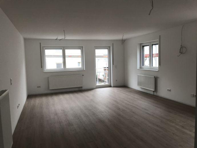 NEUBAU 3-Zimmer Wohnung mit Balkon in zentraler Lage in Veitsbronn Siegelsdorf