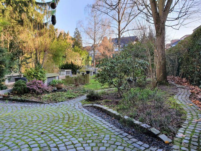 Hochwertige 2-Raumwohnung mit tollem Bad und eigenem Gartenanteil