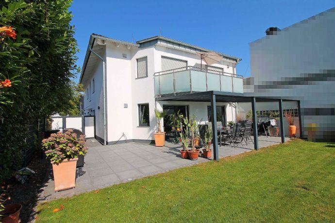 Neuwertiges 3-Familienhaus in top Lage mit gehobener Ausstattung, energieeffizent und großzügig