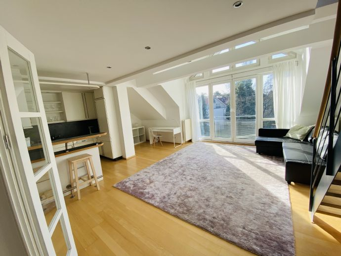 Sonniges doppelstöckiges Loft-Apartment in Zehlendorf -