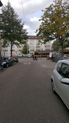 Privates WG Zimmer, sauber und möbeliert, Küche und Bad zur Mitbenutzung, Ka-Weststadt.
