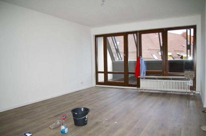 INNENSTADT - Tolle Maisonette Wohnung mit EBK und Balkon in Nürnberg